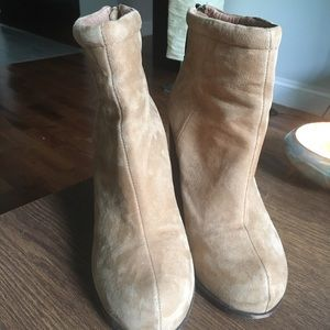 Jeffrey Campbell rumble booties tan leather heels